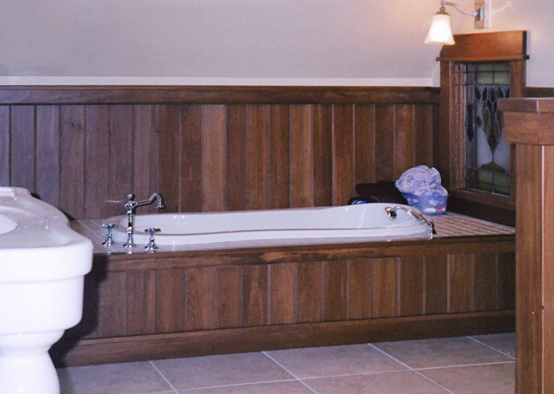 Bathroom Wainscoting in American Poplar