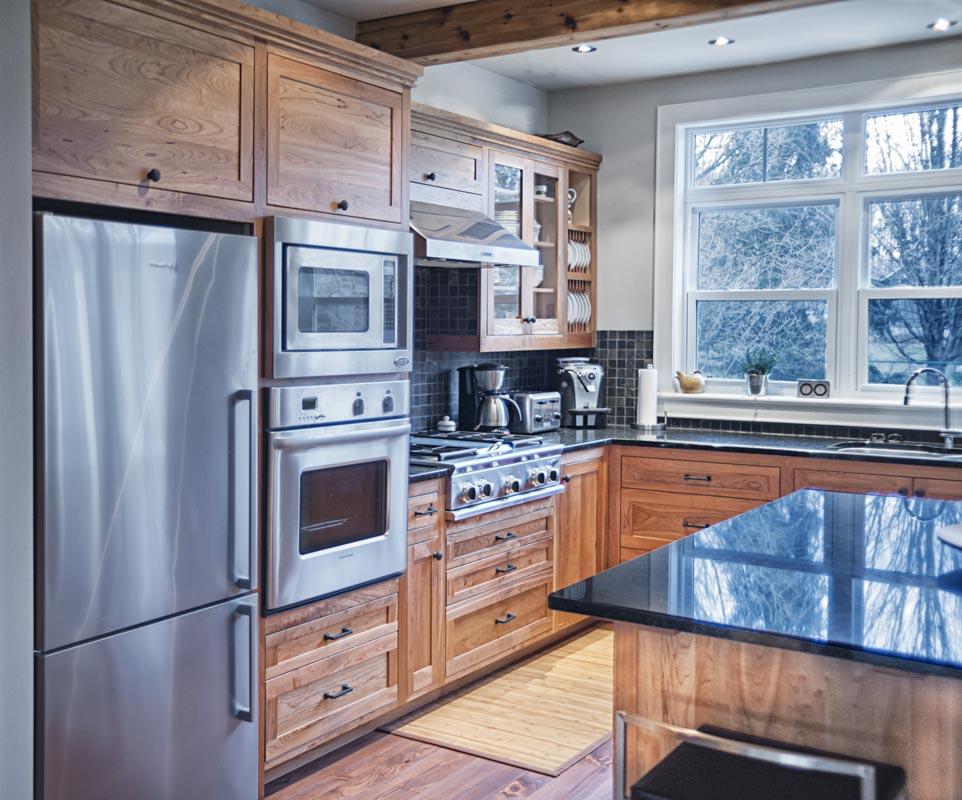 Shaker Style Custom Kitchen Cabinets - Appliances area