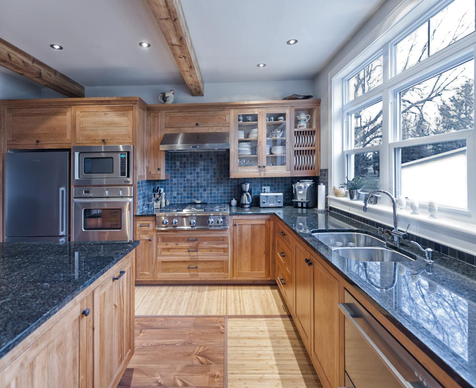 Shaker Style Custom Kitchen Cabinets - Upper / lower cabinets and island